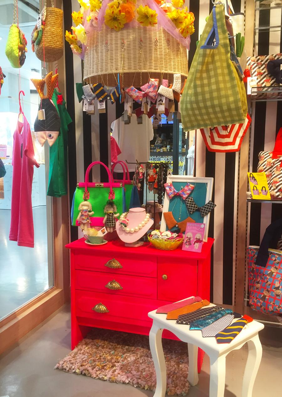 Pop up shop Display2 おませちゃんシリーズ、つけ襟&ネクタイネックレス